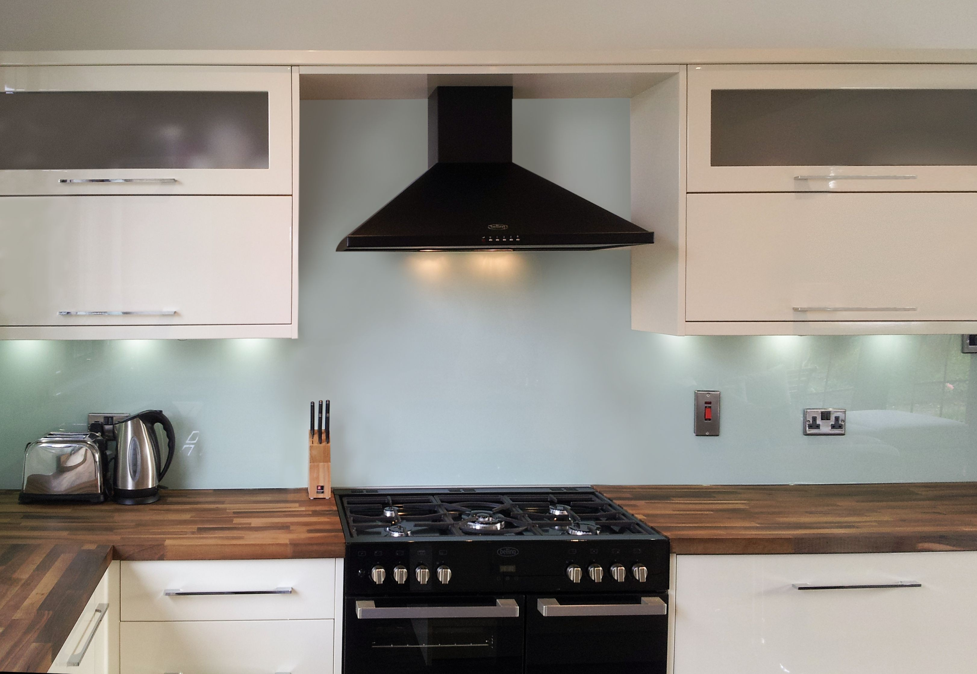 Glass   Painted Kitchen Natural Glass Splashbacks   Glacier | SplashbacksUK    Splashbacks UK