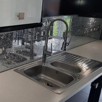 Grey Crackled Splashbacks